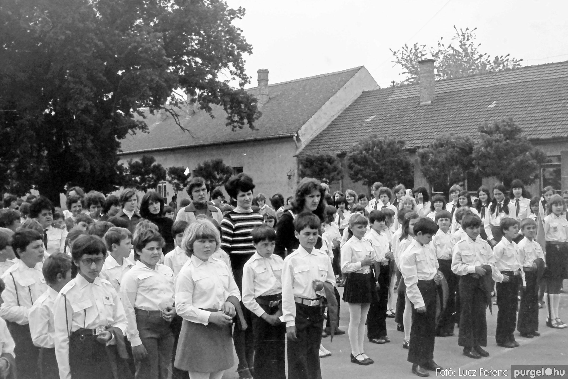 110. 1978. Úttörő avatás 010. - Fotó: Lucz Ferenc.jpg