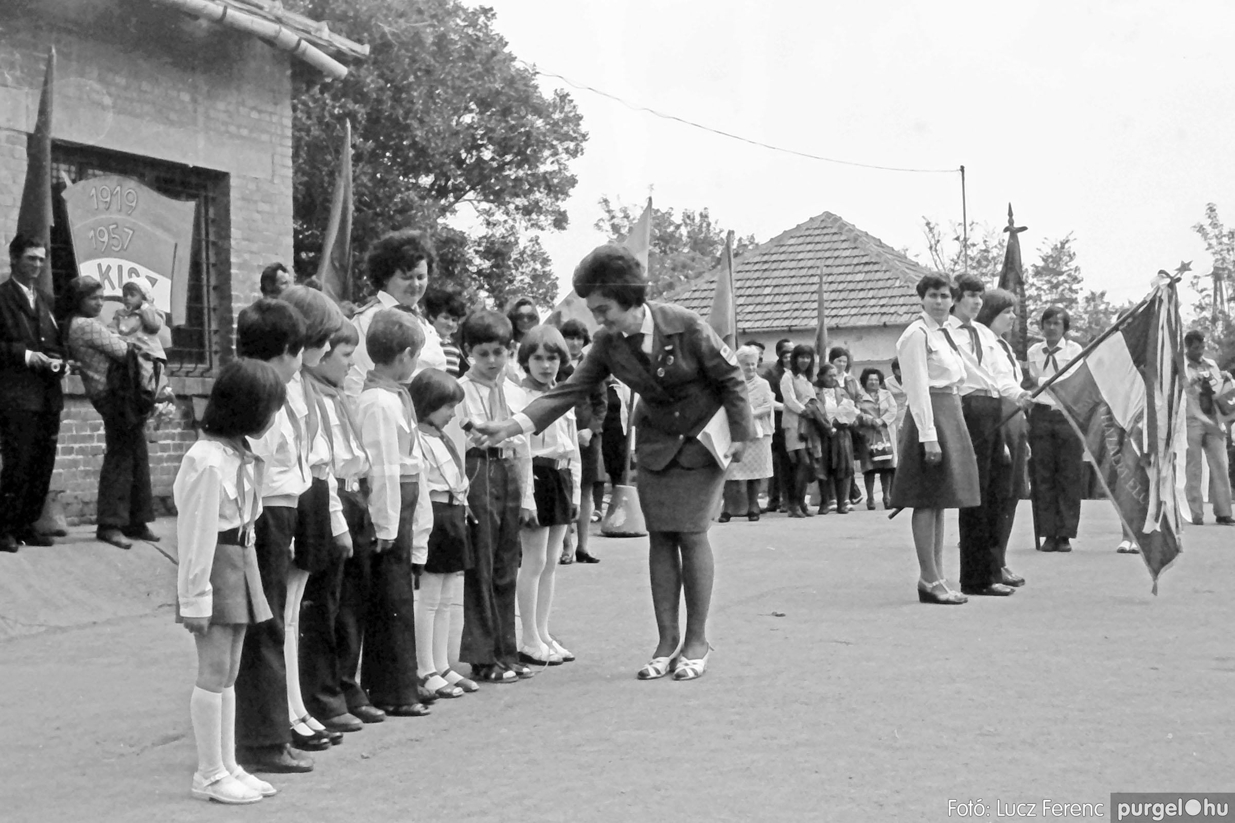 110. 1978. Úttörő avatás 007. - Fotó: Lucz Ferenc.jpg