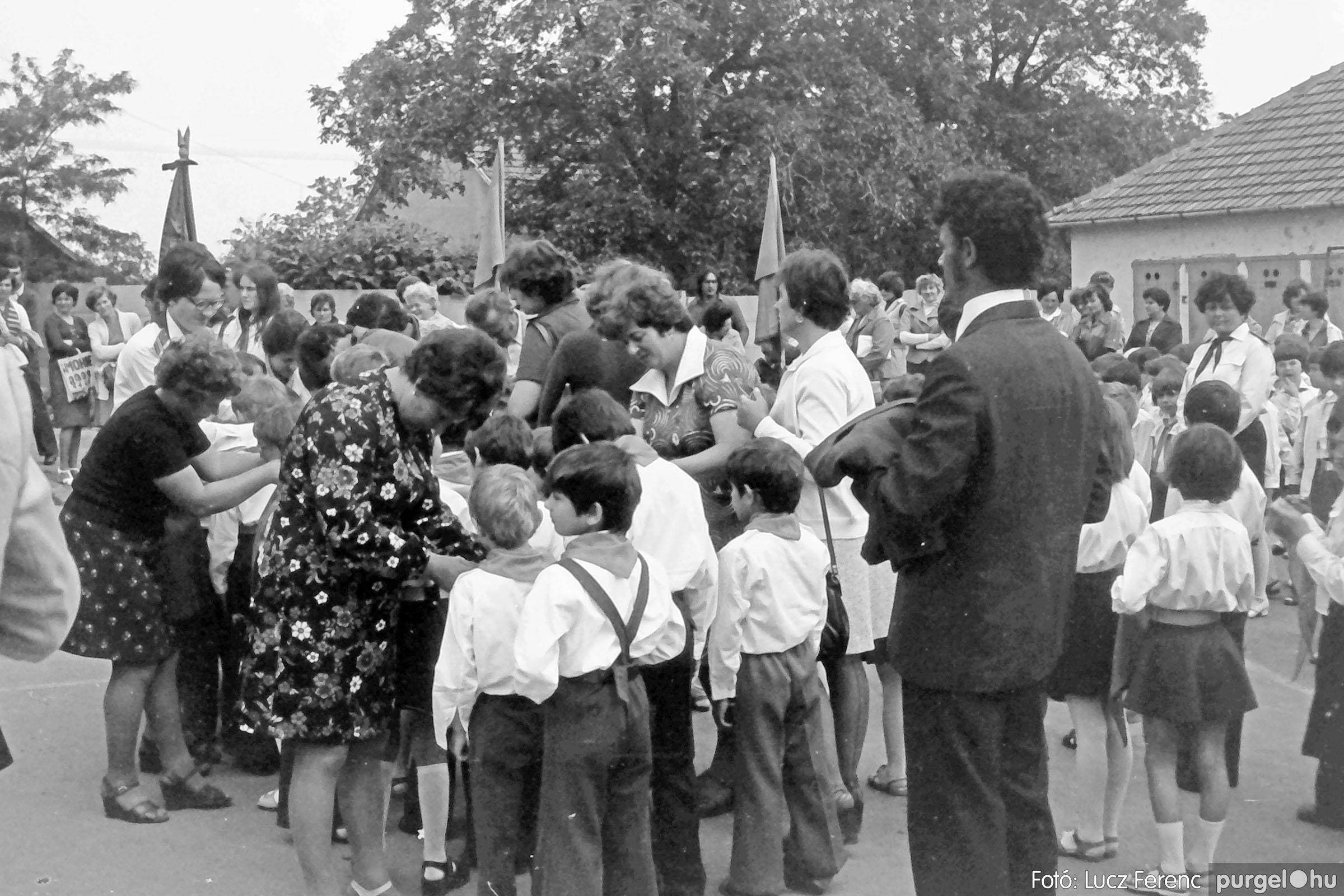 110. 1978. Úttörő avatás 004. - Fotó: Lucz Ferenc.jpg
