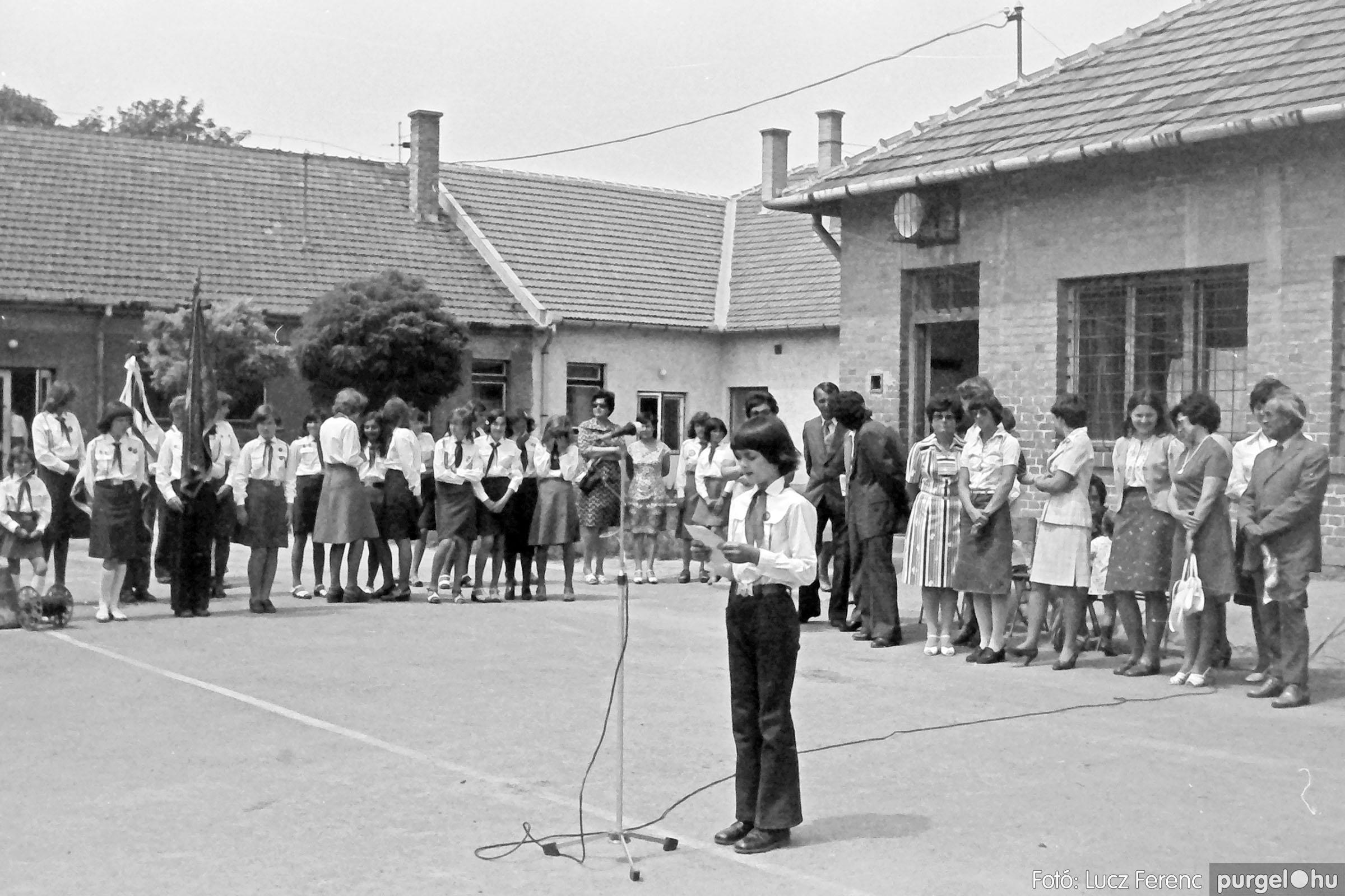 111. 1978. Ballagás és évzáró a központi iskolában 028. - Fotó: Lucz Ferenc.jpg