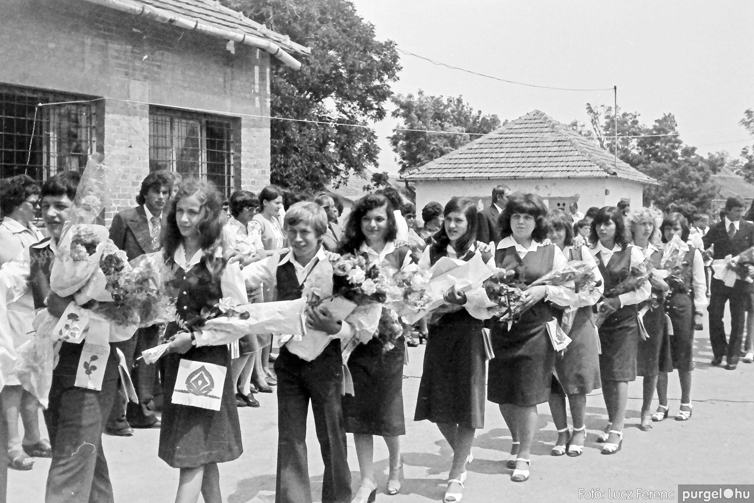111. 1978. Ballagás és évzáró a központi iskolában 030. - Fotó: Lucz Ferenc.jpg