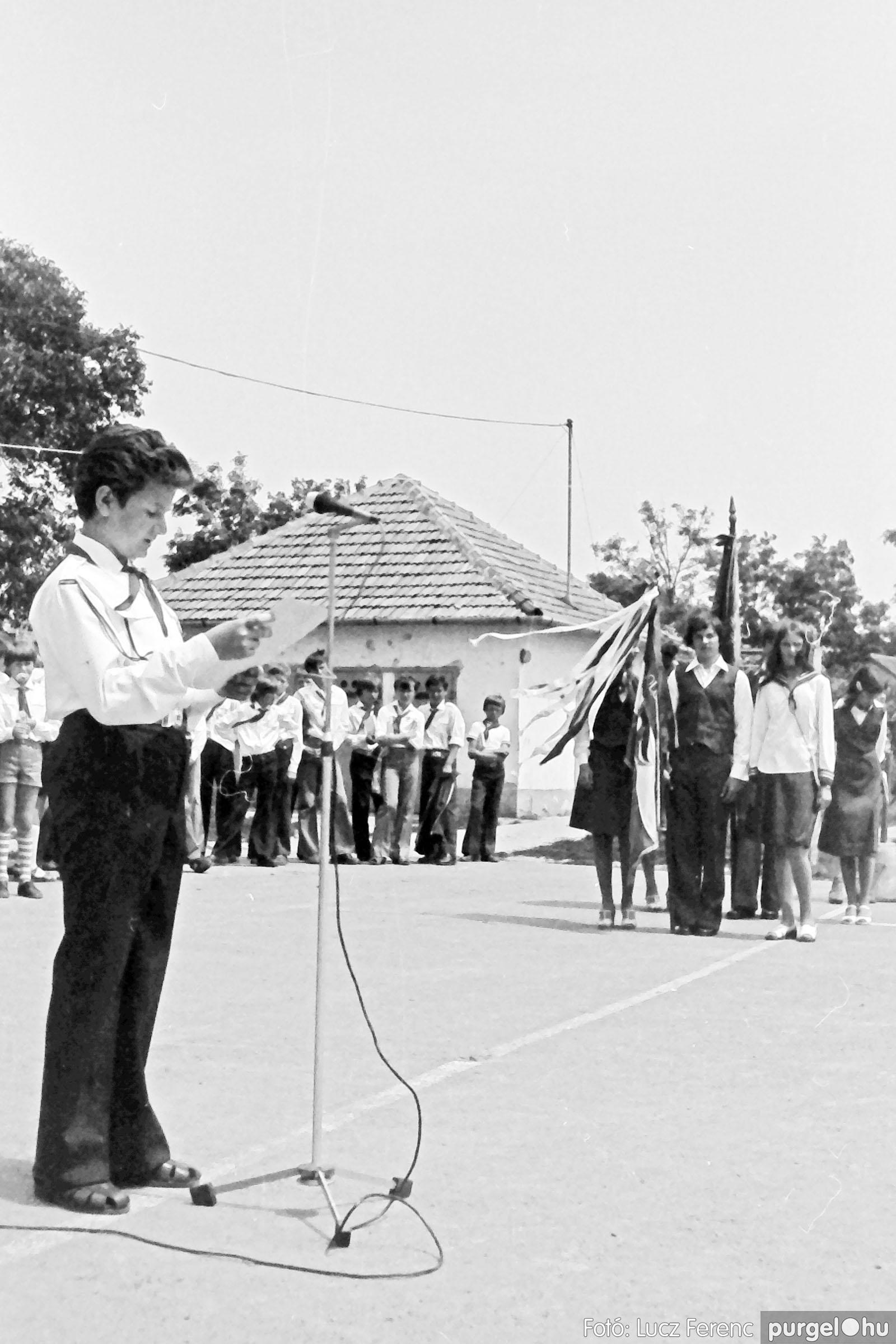 111. 1978. Ballagás és évzáró a központi iskolában 023. - Fotó: Lucz Ferenc.jpg