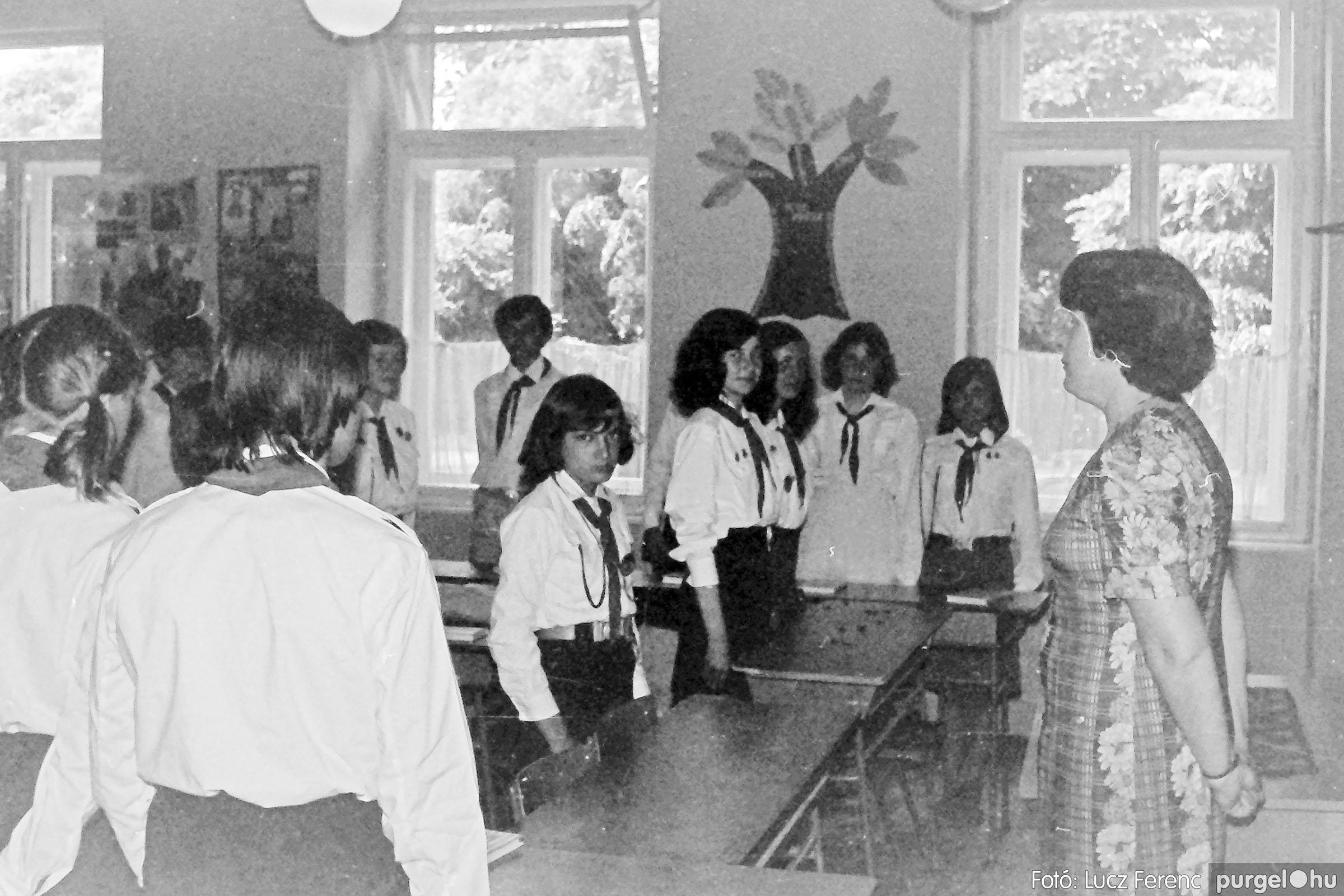 111. 1978. Ballagás és évzáró a központi iskolában 014. - Fotó: Lucz Ferenc.jpg