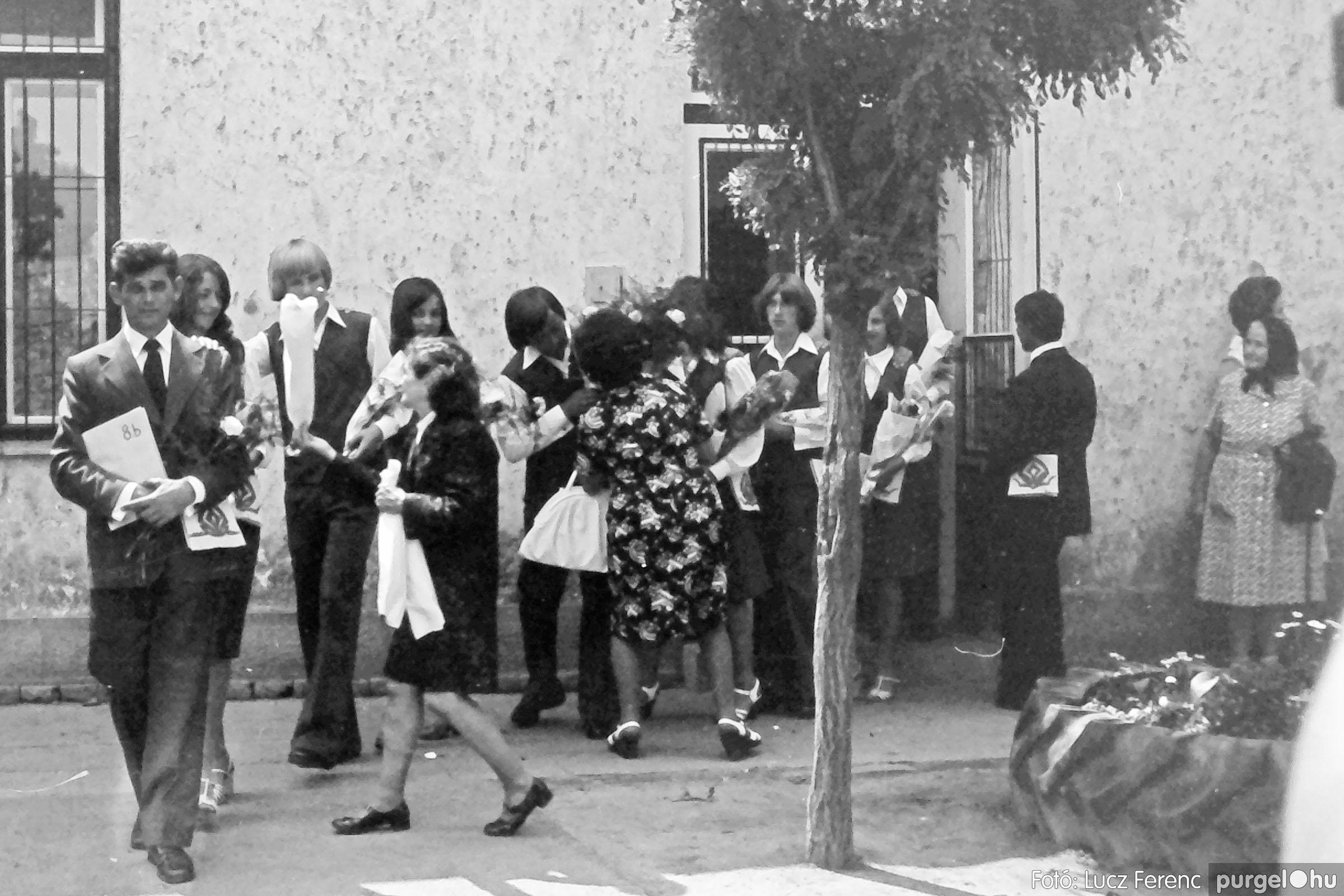 111. 1978. Ballagás és évzáró a központi iskolában 002. - Fotó: Lucz Ferenc.jpg