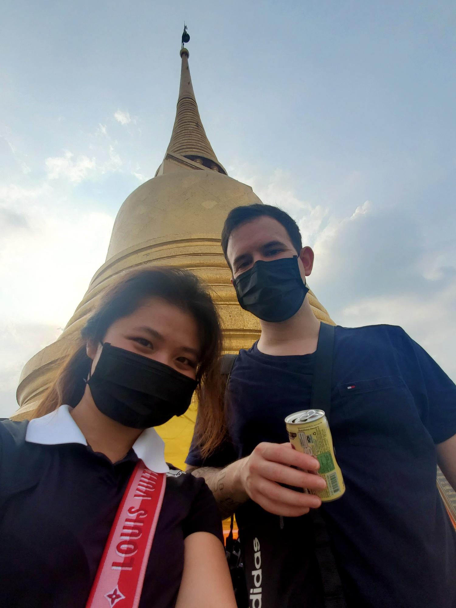leftbanked despacito Wat Paknam