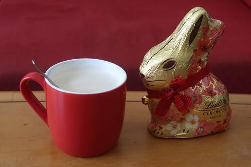 Schokoladenosterhase zum Nachmittagskaffee
