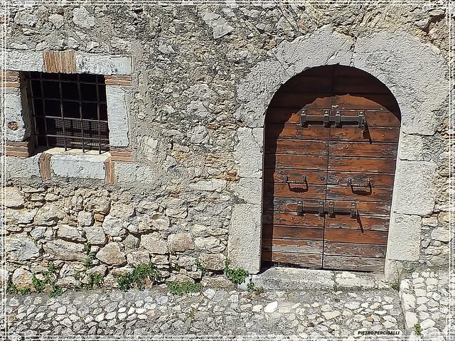 Antiche abitazioni