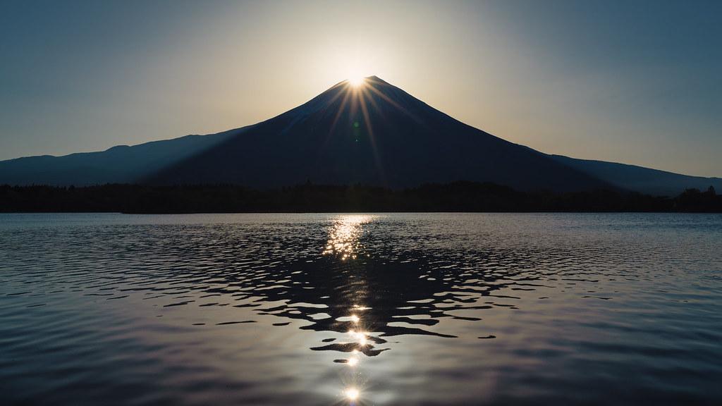 Diamond Fuji at Lake Tanuki