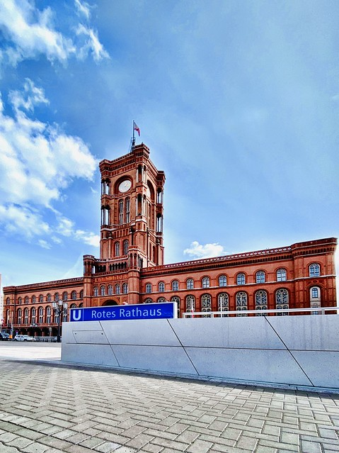 Modern views of the Red City Hall!