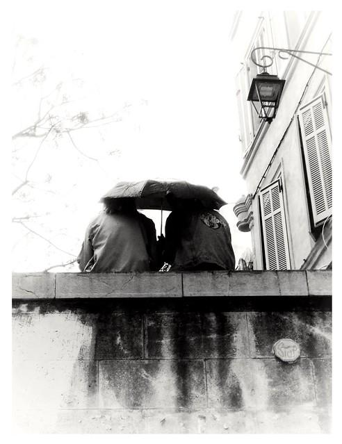 Un parapluie pour deux.