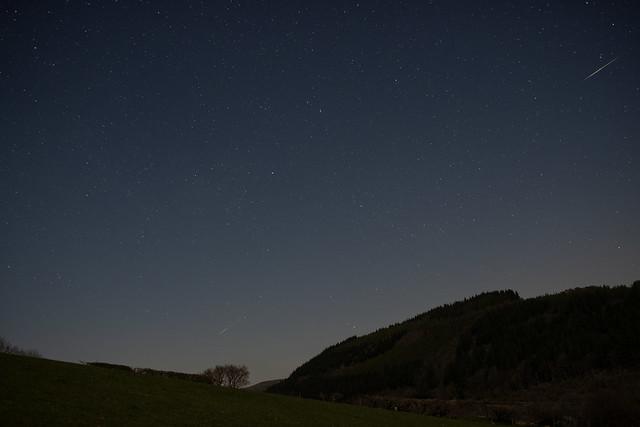 2 Lyrid meteors, Talybont res, 22 April 2021