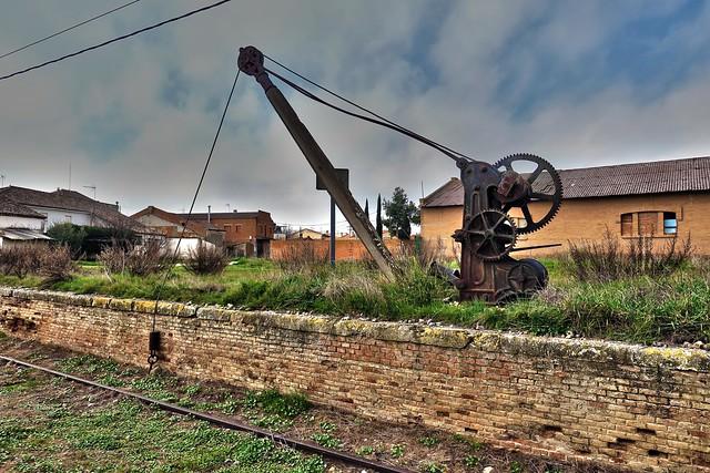 Antigua grúa ferroviaria / Old railway crane