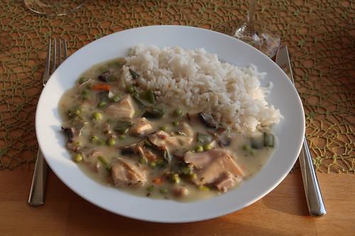 Hühnerfrikassee mit Reis (mein erster Teller)
