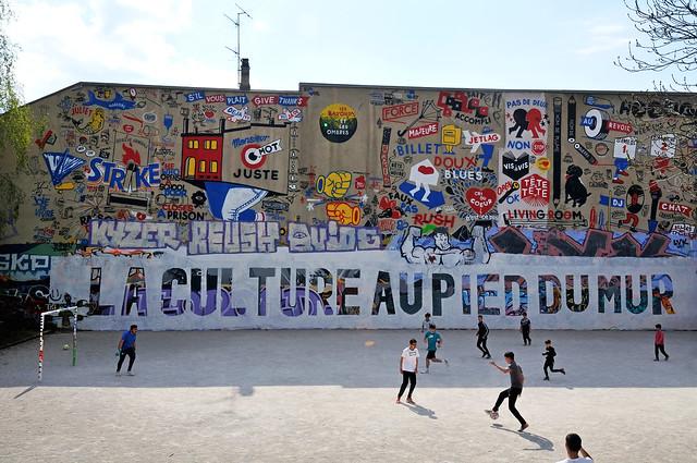 la culture au pied du mur