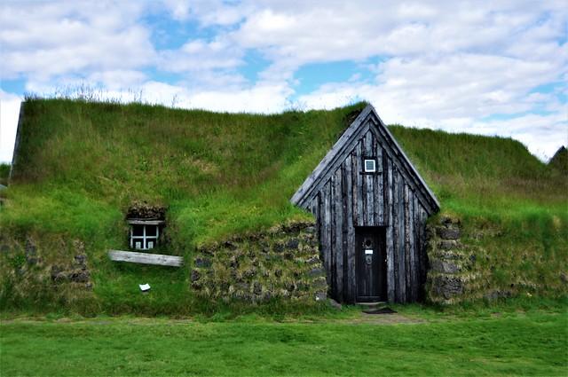 casa muy vieja-KELDUR-Islandia
