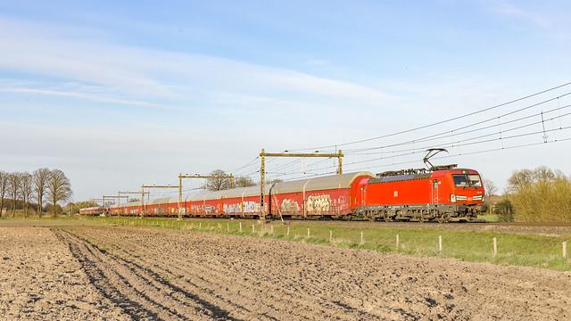 DBC 193 332 + Daimler trein