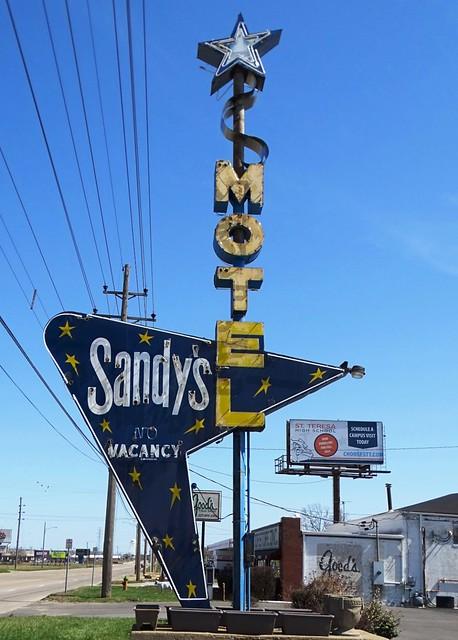 IL, Decatur-IL 48 Sandy