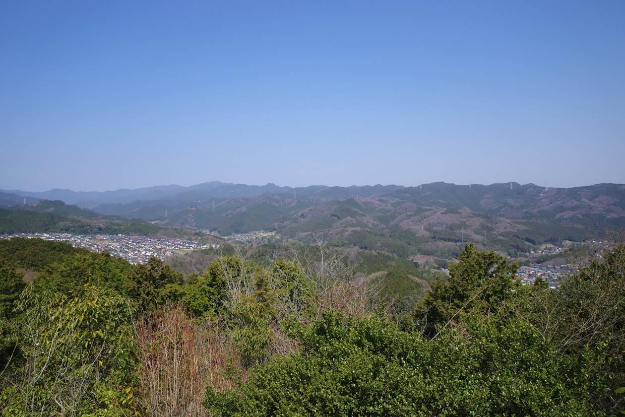 多峯主山から眺める秩父方面の展望