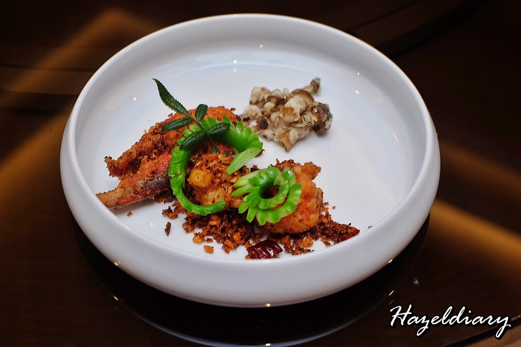 Jiang Nan Chun-Four Seasons- Wok-fried Boston Lobster with Garlic and Dried Chili