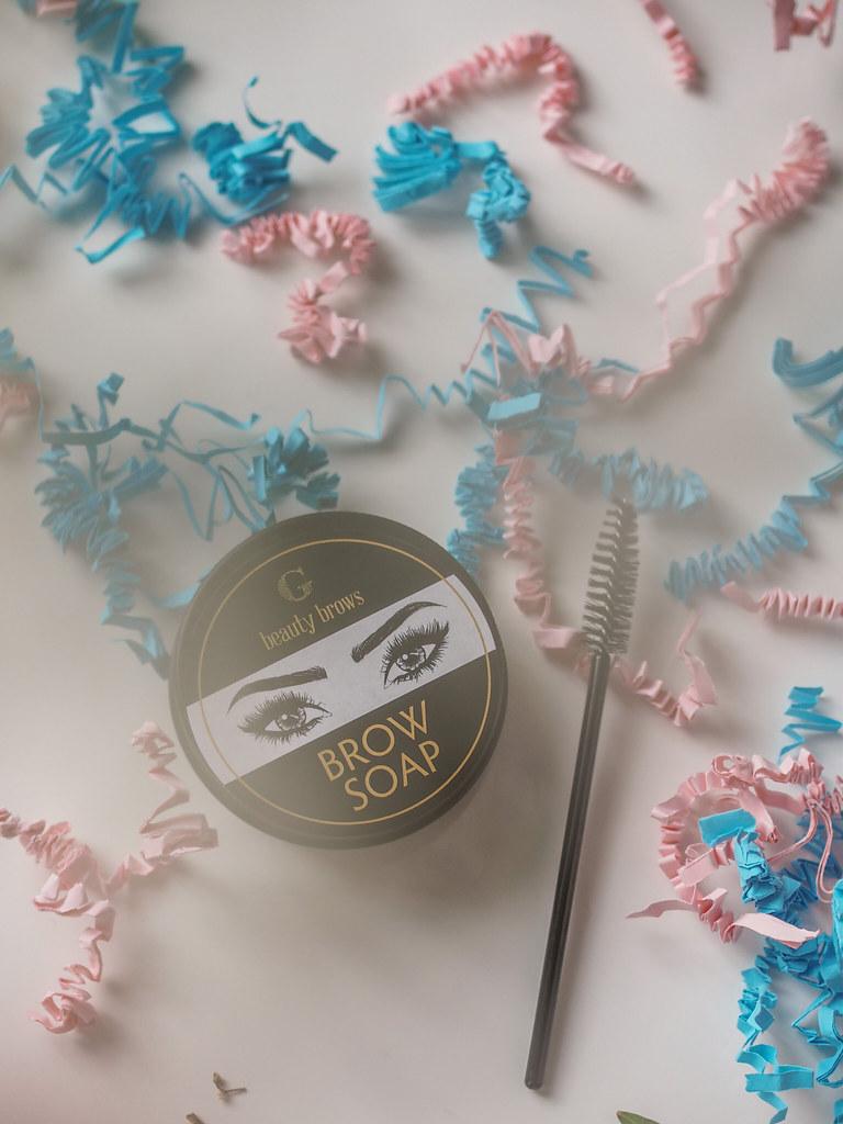 meikkimuijan kosmetiikkaboksi