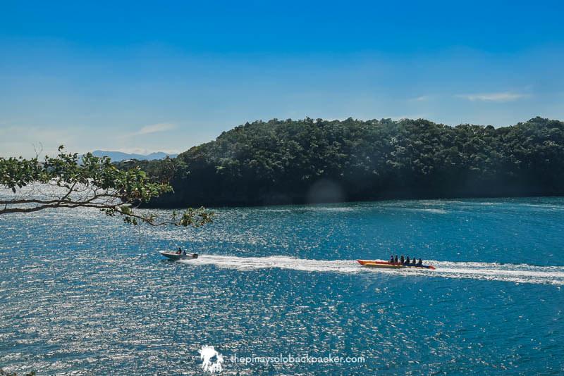 hundred islands things to do: banana boat