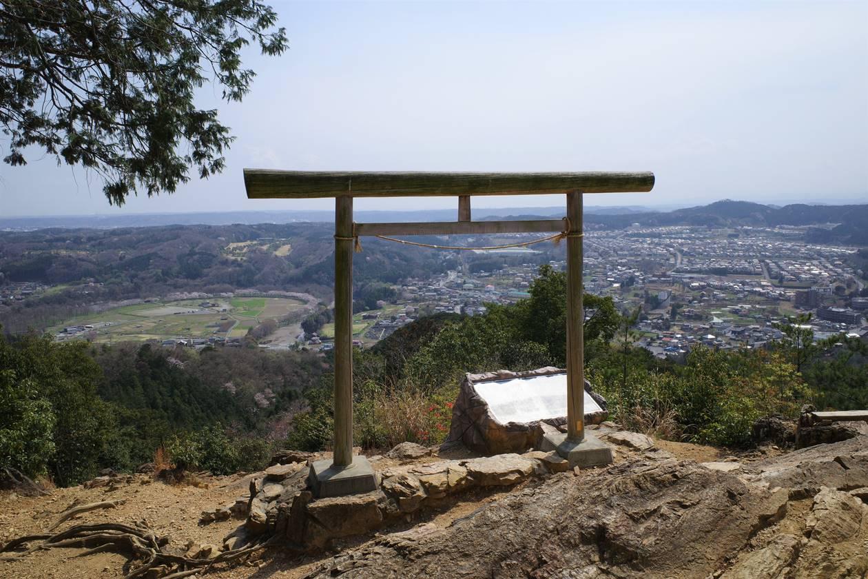 日和田山 金刀比羅神社・二の鳥居