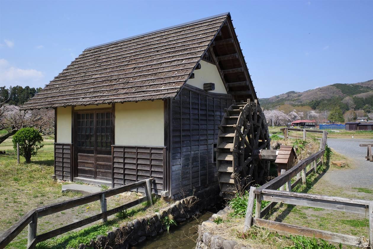 巾着田の水車小屋