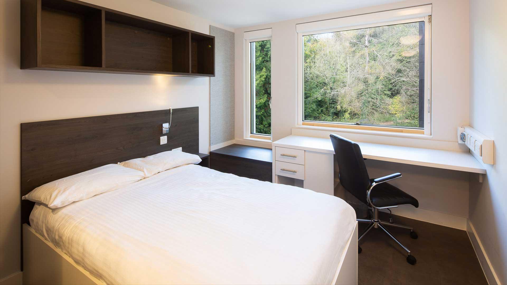 Polden bedroom.