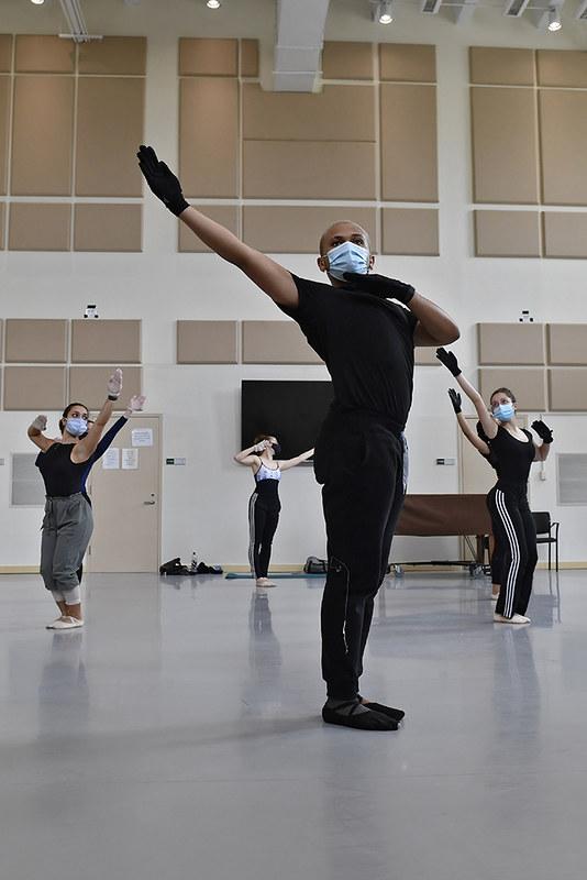 Dance students bring mummies to life at North Carolina Museum of Art