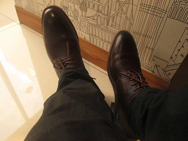男生真皮鞋
