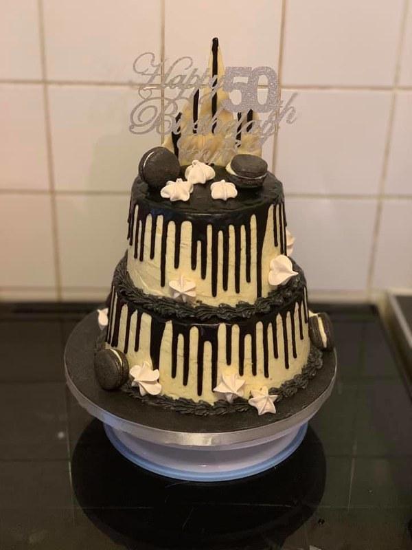 Cake by Stephanie Jade Bakes