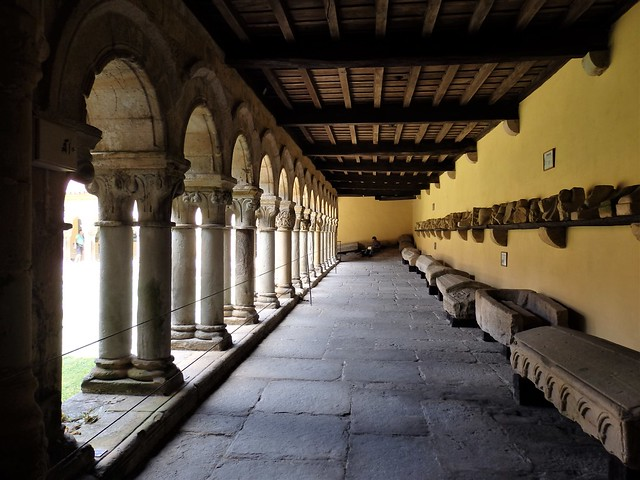 Santillana del Mar - Colegiata de Santa Juliana - Cantabria)