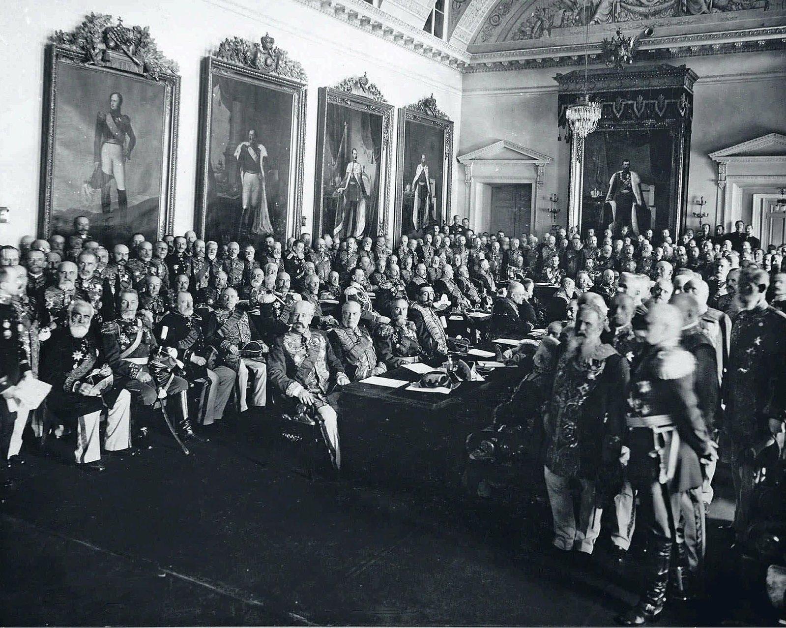 1911. Председатель Совета министров П.А. Столыпин в Правительствующем сенате на торжественном заседании в честь 200-летия Сената. 2 марта