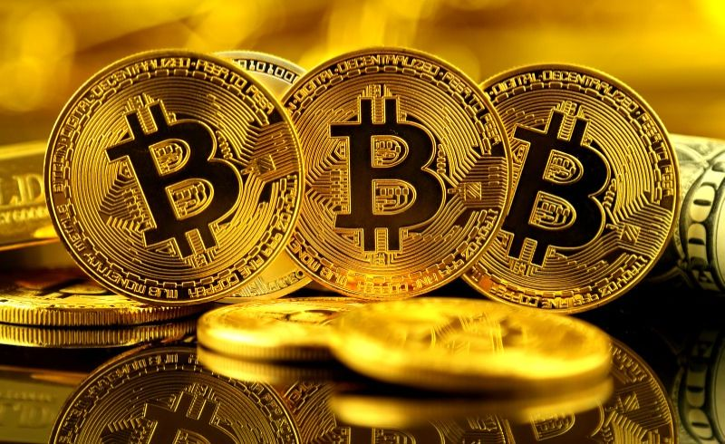 Bitcoin, what kind of currency?