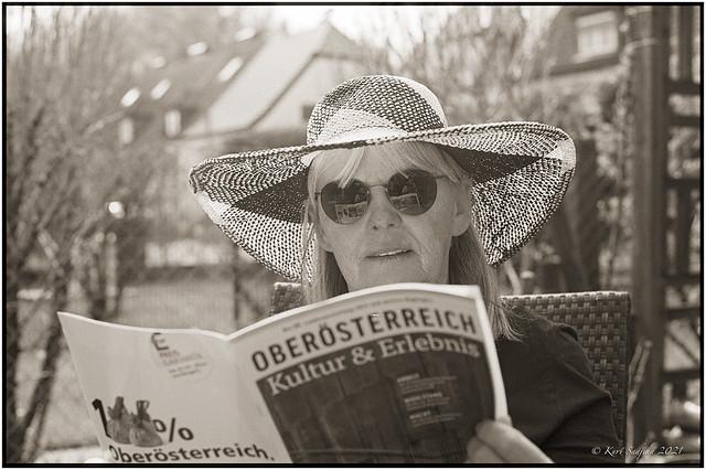 Christine im Garten_Leica R5
