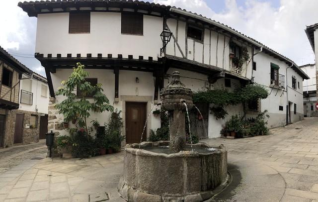Plaza Fuente de los chorros en Cuacos de Yuste (¿Qué ver en Cuacos de Yuste?)