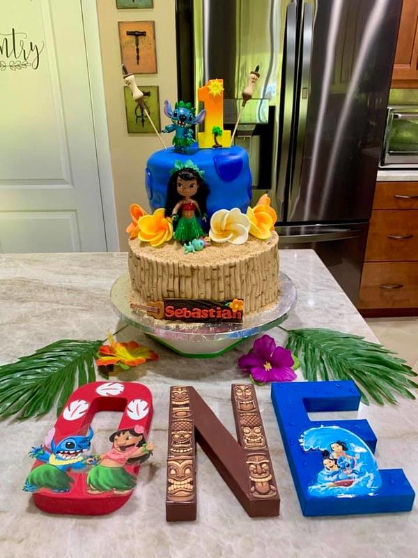 Cake by Sandi Cakes