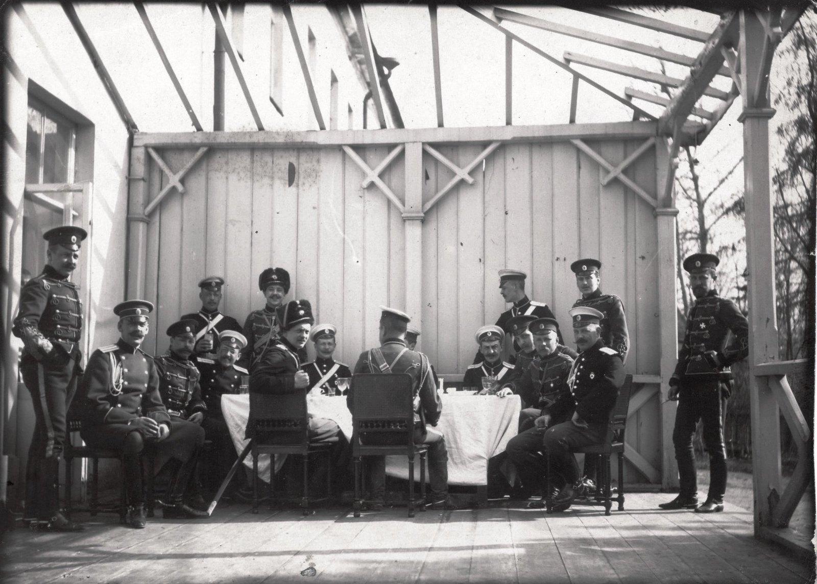 1907. Кавалергардский полк на царском смотре
