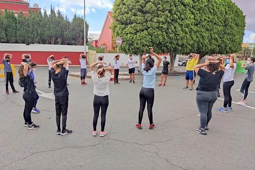 Un grupo de alumnos-as durante la celebración del Día de la Educación Física en la Calle