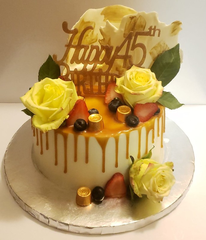 Cake by Divah Cakez