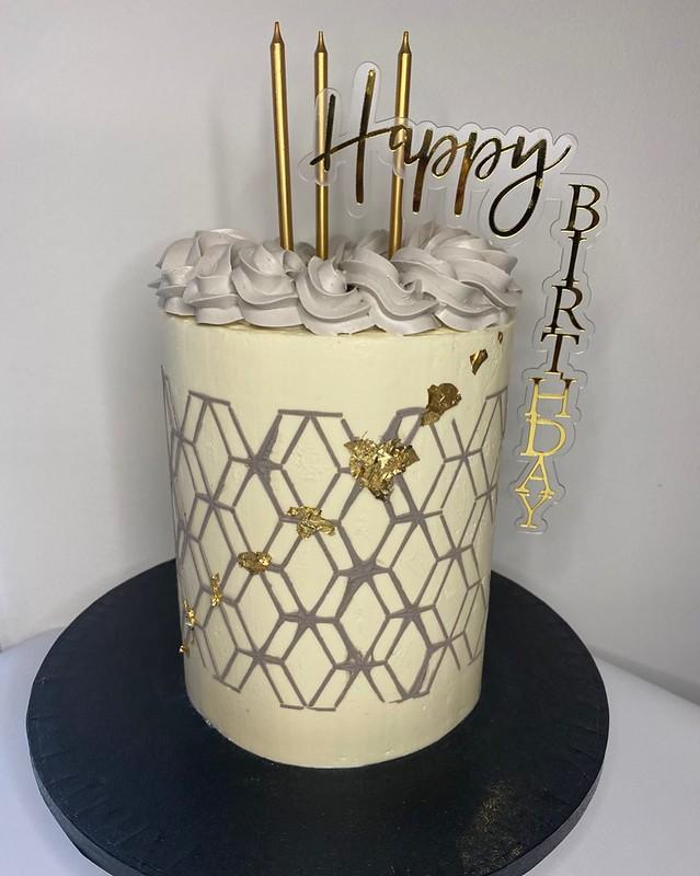 Cake by Lynn's Cakes