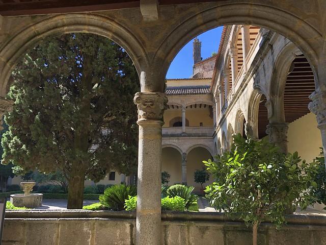 Claustro renacentista del monasterio de Yuste (Cáceres)