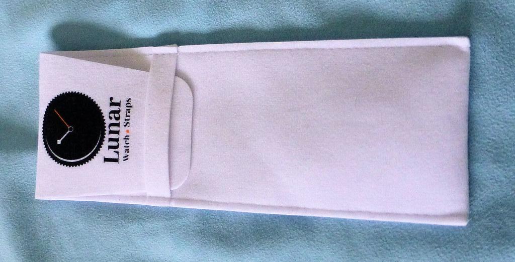 lunar strap pouch