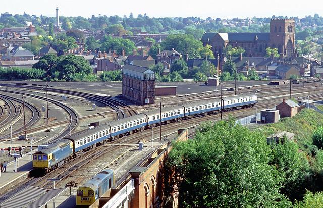 33050 arrives at Shrewsbury with the 1200 Cardiff Llandudno on 22 September 1986