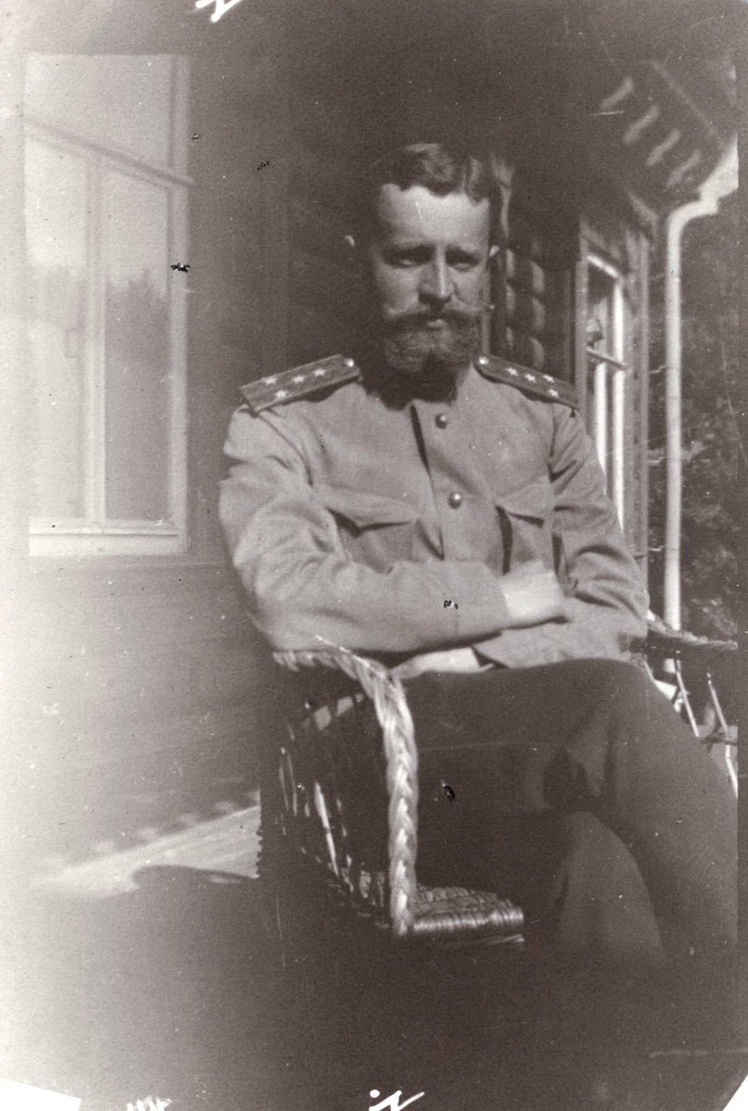1909. Греве А.А. в кресле