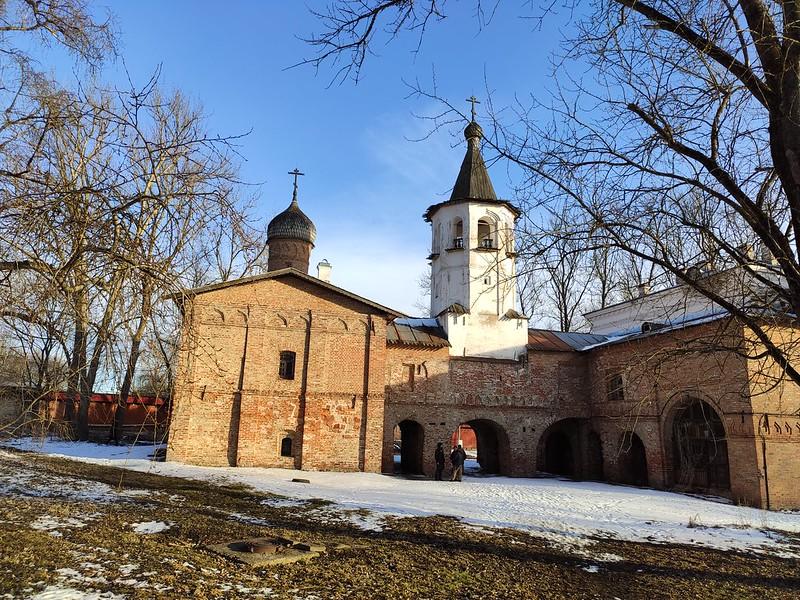 Великий Новгород -  Воротная башня Гостиного двора