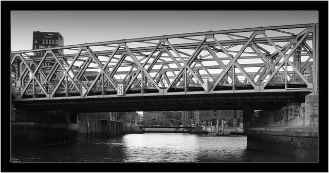 Magdeburger Brücke im Hamburger Hafen