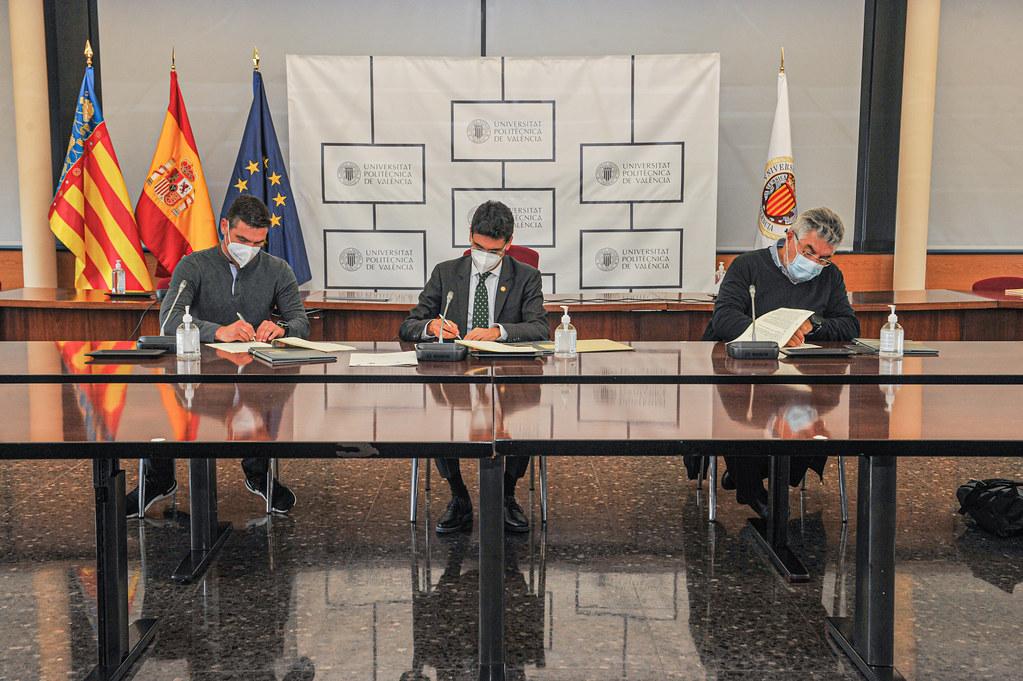 20210427 CATEDRADES signatura del Conveni UPV-MESURA-ACICOMÁlbum nuevo