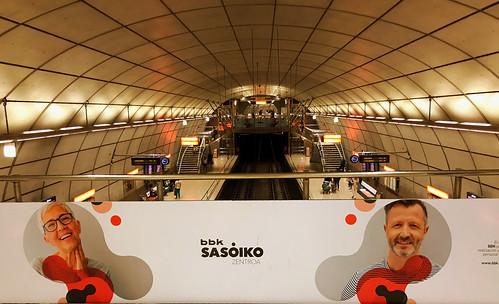 Publicidad de BBKsasoiko en Casco Viejo de Metro Bilbao