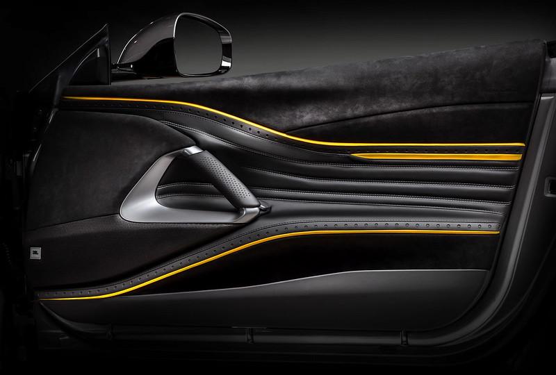 carlex-ferrari-812-superfast-interior-tuning-13
